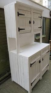 Kitchen Hutch Furniture 17 Best Ideas About Pallet Hutch On Pinterest Painting Cupboards