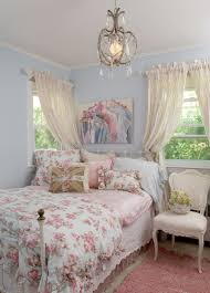 Shabby Chic Bedroom Paint Colors Im Not Much For The Current Union Jack Trend But Boy Do I Love