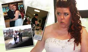 Wedding photographer sued after 'nicking' snaps and losing half of them |  Express.co.uk