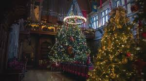 Biltmore Estate Takes Christmas Decor to Another Level - ABC News