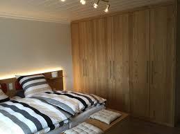 Schlafzimmer In Massivholz Optik Tischlerei Keller