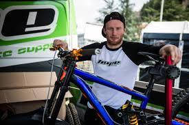 Adam Brayton's Hope SCOTT Gambler - PIT BITS - 2016 Lourdes World Cup  Downhill - Mountain Biking Pictures - Vital MTB