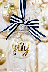 DIY personalized Christmas ornaments! So easy and cute as gifts. Write your  name,