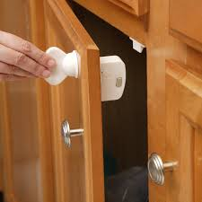 Kitchen Cabinet Door Locks Amazoncom Safety 1st Magnetic Cabinet Locks 8 Locks 1 Key