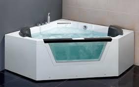 corner hot tub indoor