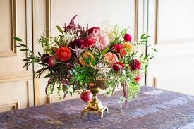 20 Christmas Flower Arrangements Winter Holiday Flower Arranging