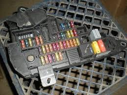 04 05 06 bmw 530i 5 series e60 rear fuse box panel 690659905 04 05 06 bmw 530i 5 series e60 rear fuse box panel 690659905