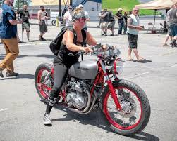 smoke out mystery woman s budget bobber