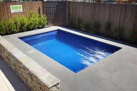 5.5m Fibreglass Plunge Pool | Barrier Reef Pools Perth