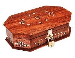 beautiful locking lacquered wooden locking trinket box