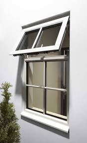 janela em alumínio branco com persiana integrada de enrolar 2 folhas móveis vidro liso acionamento manual linha 25 vênus trifel. Esquadria De Aluminio Vantagens Tipos Dicas E Fotos