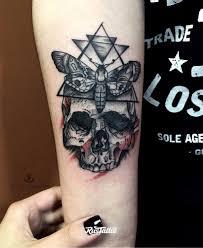 фото татуировки череп в стиле блэкворк вип шейдинг графика дотворк