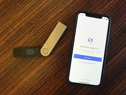 It will most likely show a message to connect and unlock your ledger wallet. Hands On With Ledger S Bluetooth Crypto Hardware Wallet Techcrunch
