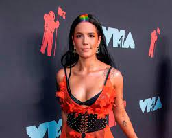 Singer Halsey is pregnant with 1st ...