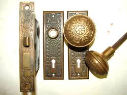 Antique door knob Glass Door Old Style Door Knobs Style Incredible Display Of Antique Door Knobs And Door Knobs Hardware For Old Style Door Knobs Egym Old Style Door Knobs Glass Door Knob With Lock Stunning Antique Old