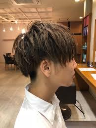 メンズカット 耳上と襟足部分はスッキリと刈り上げをして 上の髪の毛は