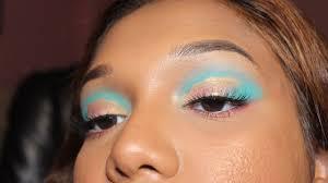 cloud eye makeup trend pastel simple version