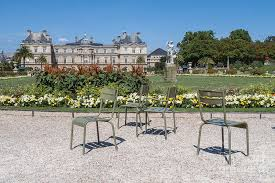 chairs in luxembourg gardens paris