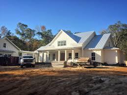 Best 25+ White farm houses ideas on Pinterest   Farm house ...