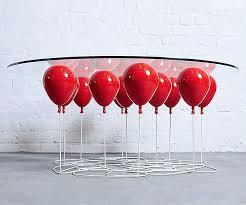 Projetar uma peça de mobiliário sem saber desenhar é possível, basta seguir um processo dinâmico e simples com a ajuda de um renomado designer industrial. Confira 20 Objetos Com Design Inovador