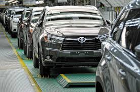 Toyota Recalls 2016 Highlander SUVs Over Faulty Brake Fluid ...