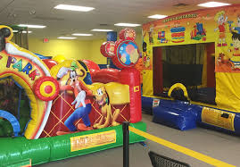 kids birthday parties bounce house rentals banginbungee at bb kidz zone children utilize indoor outdoor play to develop motor skills and aids in emotional development as well as sensory development