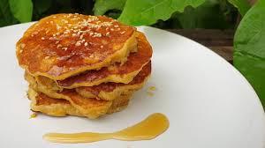 แพนเค้กกล้วยง่ายๆ อาหารคลีน ไร้แป้ง ไม่อ้วน Banana Pancake - Mai's Kitchen  - YouTube