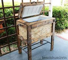 Rustic Cooler Box from Recycled Pallets - beachbumlivin