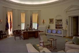 oval office design. Simple Design Oval Office Design Lyndon Johnsonu0027s Threetv Setup In The And Oval Office Design