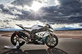 2018 bmw hp4. simple bmw bmw hp4 race is 68k worth of u0027superleichteu0027 carbon and technology   motofire in 2018 bmw hp4