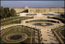 une vue de la faaade ouest. Vue Générale De La Façade Ouest Du Château Versailles Et Ses Jardins à Une Faaade