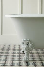 the cast iron bath company pattern in the bathroom