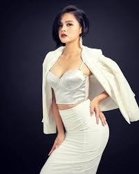 Nữ diễn viên trong