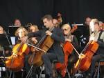 kvinde ser ældre mand sjælland symfoniorkester