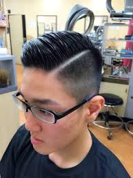震災刈りnyバーバースタイル 分け目ライン メンズの髪の悩みを解決