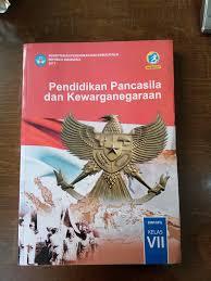 Buku ini dapat membantu kegiatan belajarmu secara mandiri di rumah, karena. Harga Buku Paket Pkn Kelas 8 Ilmusosial Id