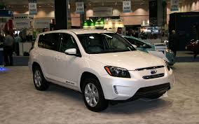 First Look: 2013 Toyota RAV4 EV Photo & Image Gallery