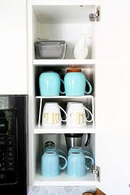 awesome tips and tricks for organizing a small kitchen and proof that small kitchens