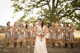 Incredible Country Style Wedding  Wedding GuideCountry Style Wedding Photos