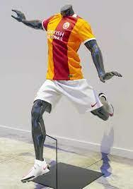 Galatasaray'ın yeni sezonda giyeceği iddia edilen forma beğeni topladı -  Yeni Şafak