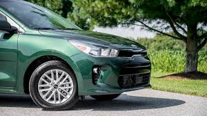 kia rio 5 2018. interesting kia 2018 kia rio hatch exterior photo 5  to kia rio