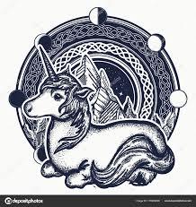 единорог и горы в круг татуировка кельтский стиль векторное