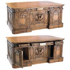 the oval office desk. Amazing History Company American Presidents Resolute Desk With Oval Office  The Oval Office Desk