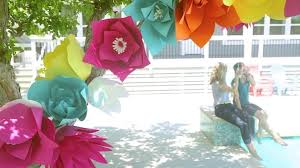 Make Flower With Paper Giant Paper Flowers Made Everyday