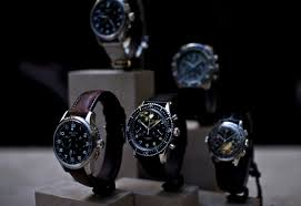 lost in glitterati of luxury watch brand across the world the movado oris dior versace chopard emporio armani tommy hilfiger all to a few has opened the door for fashion mongers men women collection is