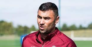LOSC sign Turkish hitman Burak Yilmaz