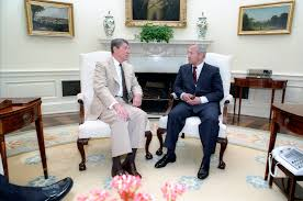 filethe reagan library oval office. filereaganu0027s meeting with oleg gordievsky in the oval office 16jpg filethe reagan library i