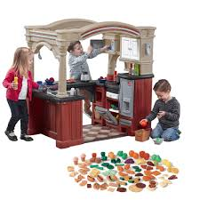 step2 grand walk in kitchen with extra play food