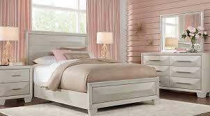 Sofia Vergara Cambrian Court White 5 Pc King Panel Bedroom