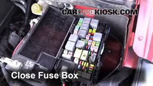 replace a fuse 2008 2016 chrysler town and country 2008 chrysler 6 replace cover secure the cover and test component